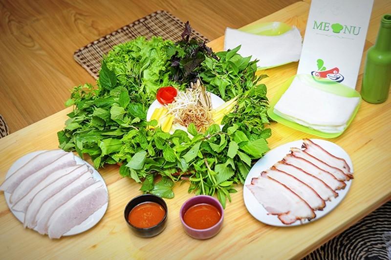 Nguyên liệu chuẩn bị món thịt lợn mát cuộn rau củ